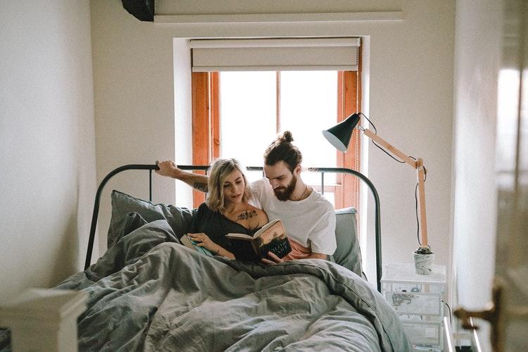 Género influencia a forma como dormimos?