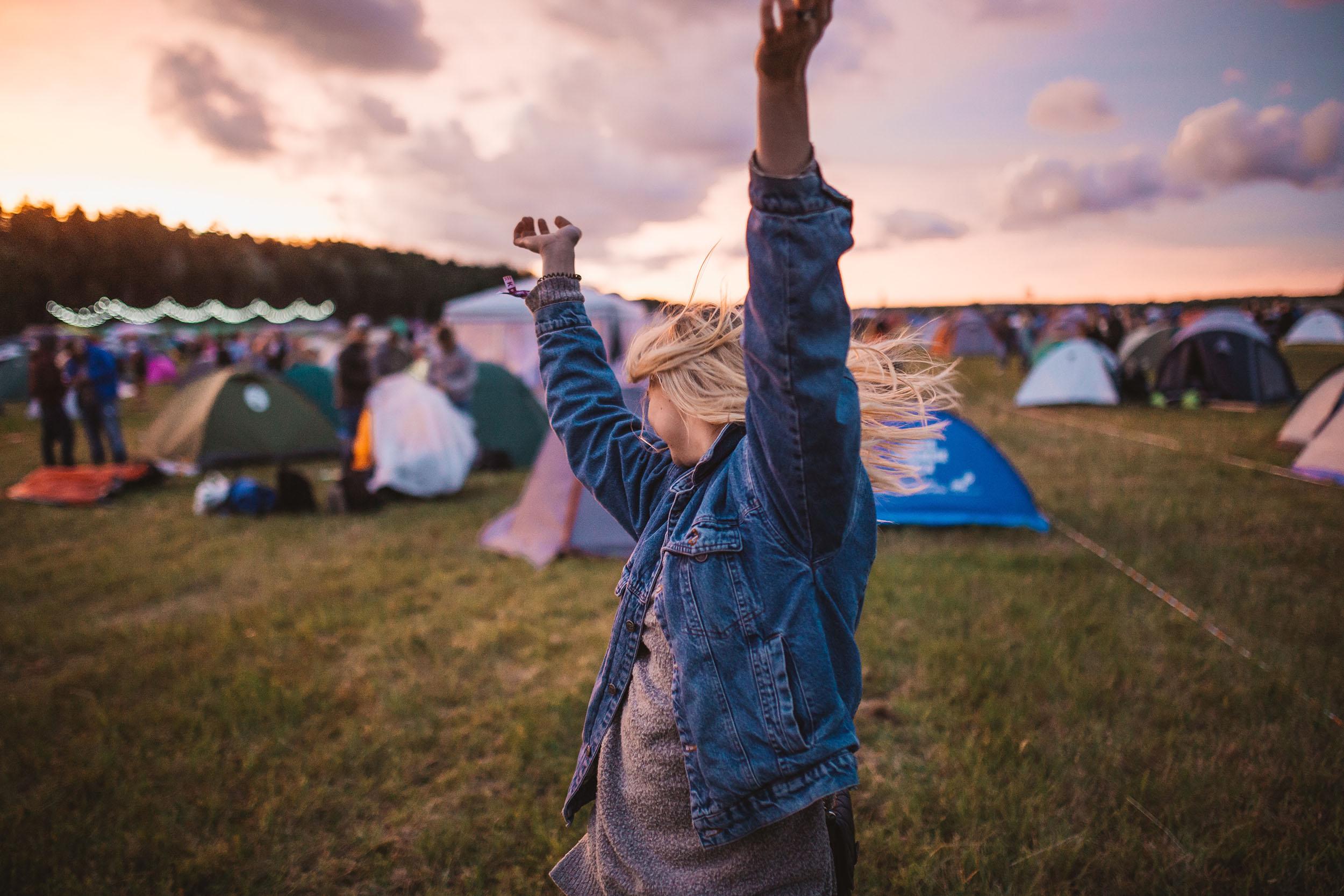 Dormir num festival de verão