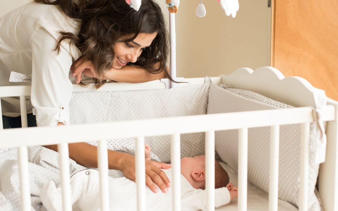 Dormir em segurança: como preparar a cama para um bebé?