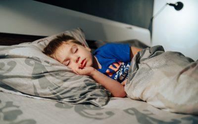 Quatro razões que podem interferir com o sono das crianças