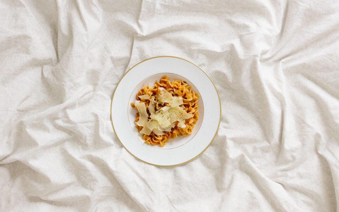 Dormir mais cedo ajuda a controlar o peso