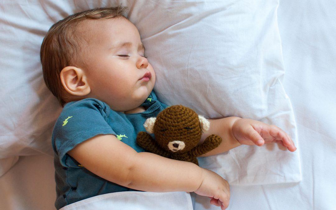 O bebé está pronto para dormir a sesta? Conheça os sinais