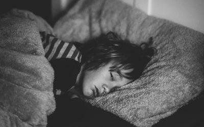 O que acontece se o meu filho não dormir o suficiente?