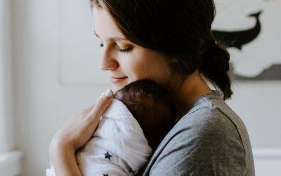 Embalar o bebé: sim ou não?
